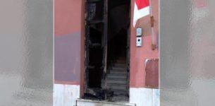 OSTIA – A fuoco il portone del circolo Pd. Ieri la manifestazione antimafia