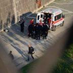 CASTEL SANT'ANGELO - Turista precipita sulla banchina del Tevere e muore