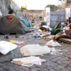 La Capitale annega tra i rifiuti e aspetta il soccorso dell'Emilia