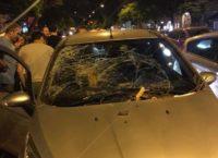 PRATI – Grosso ramo si schianta su auto. A bordo donna incinta, sotto choc