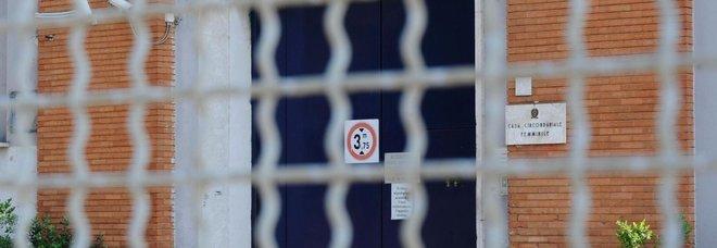Detenuta a Rebibbia lancia i figli dalle scale:<br> una muore, l&#8217;altro ha danni cerebrali
