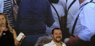 """Salvini: """"I romani si aspettavano di più da Raggi, in auto è un rally"""""""