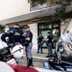 PORTUENSE - Rapina in banca con ostaggi: paura ma colpo fallito