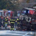Cisterna in fiamme Esplode un distributore sulla Salaria, due morti e 17 feriti