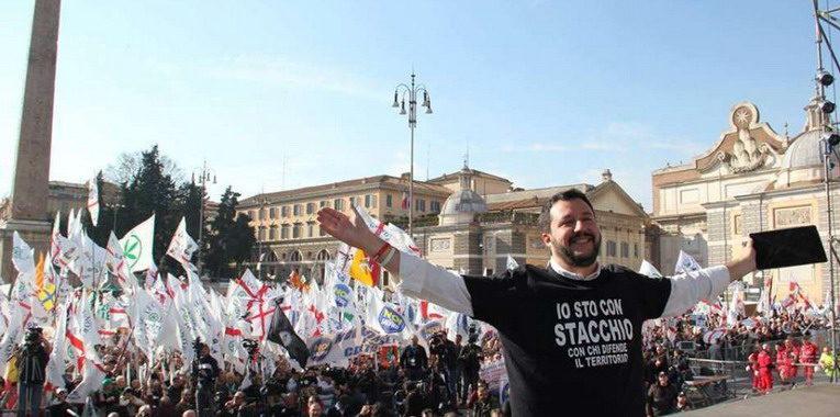 Lega, Salvini chiama alla piazza:<br> manifestazione a Roma