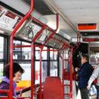 Sorpreso sul bus senza biglietto, aggredisce verificatore Atac e fugge