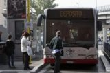 PORTONACCIO – Autista Atac salva ragazza dal suicidio: voleva lanciarsi dal ponte sulla Tiburtina