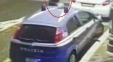 PIAZZA CAVOUR – Cacciati dalla discoteca minorenni distruggono auto polizia