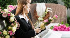 Funerale laico, scopriamo come si svolge