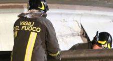 Santa Marinella cade calcestruzzo da cavalcavia: chiusa carreggiata A12