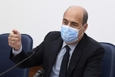 """Zingaretti: """"Non lasciamo l'Italia agli amici di Orban e Bolsonaro"""""""