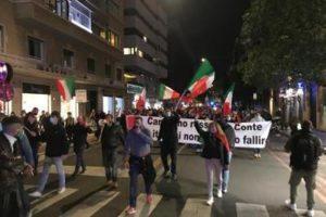 Roma_manifestaz_piazzaCavour_2710_Adn_7