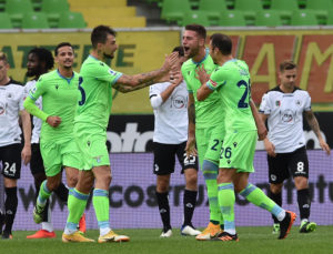 CESENA, ITALY - DECEMBER 05: Sergej Milinkovic Savic of SS Lazio celebrates with his teammates after scoring goal 0-2 during the Serie A match between Spezia Calcio and SS Lazio at Stadio Alberto Picco on December 5, 2020 in La Spezia, Italy. (Photo by Giuseppe Bellini/Getty Images)