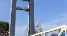 Fiumicino, imbarcazione sbatte contro il ponte 2 Giugno
