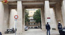 ROMA NOMENTANO – Documenti falsi per ottenere licenze commerciali