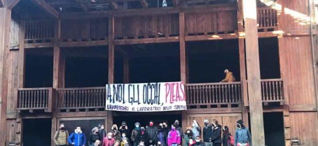 Lavoratori dello spettacolo occupano il Globe Theatre Roma
