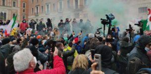 Protesta 'IoApro': tensione a Roma